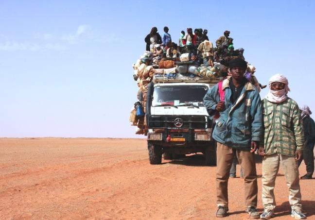 immigrati nel Sahel: fermarli nel deserto un crimine contro l'umanità